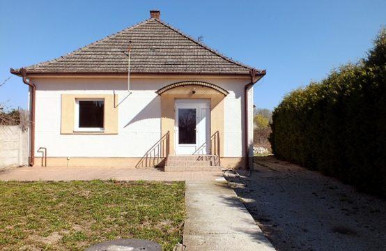 Na predaj rodinný dom vo Vlčanoch